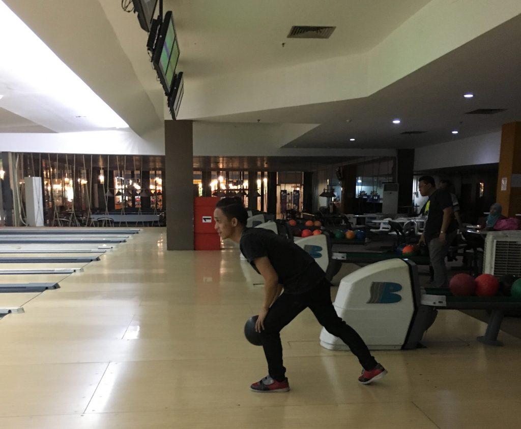 Bermain Bowling Kaza Surabaya