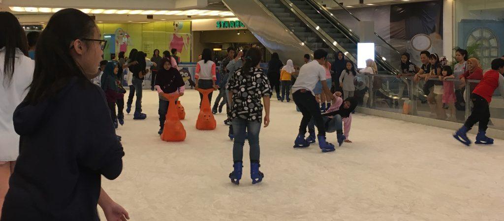 Foto 4 Ice skating Grandcity-Surabaya
