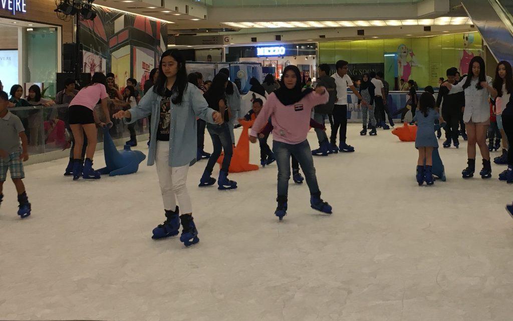 Foto 5 Ice skating Grandcity-Surabaya