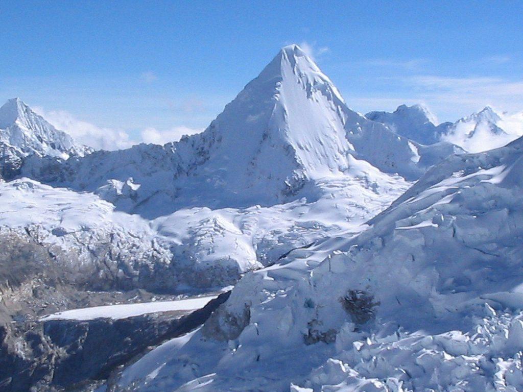 Alpamayo Mount, PERU