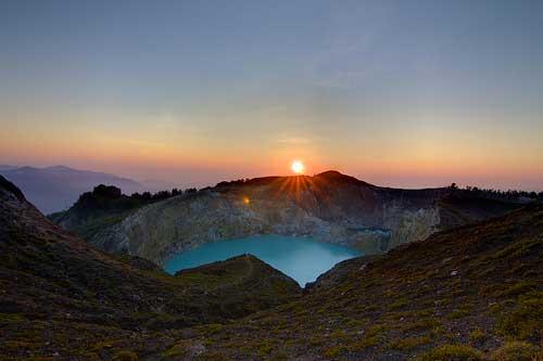 Spot Sunrise Gunung Kelimutu