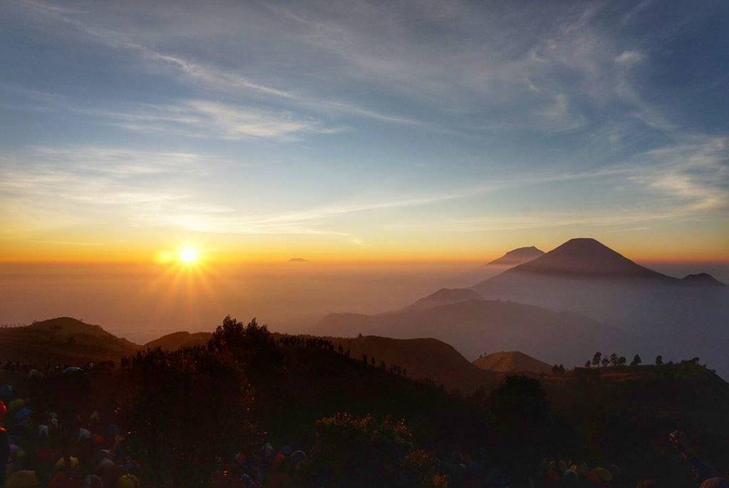 Spot Sunrise Gunung Prau